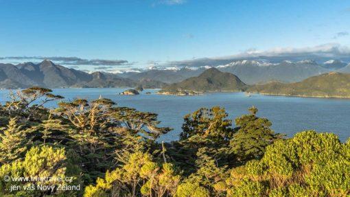pohled-na-dusky-sound-fiordland-novy-zeland_1920x1080
